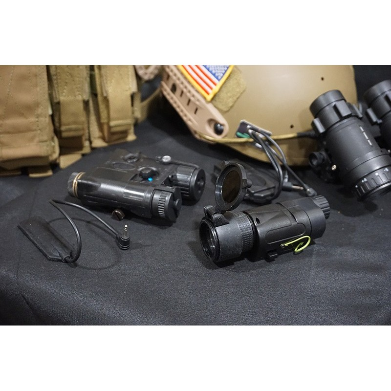 Element Tactical Light L-3 Advanced Illuminator Combo with AN PEQ-16A and M3X Hunting Tactical Flashlight