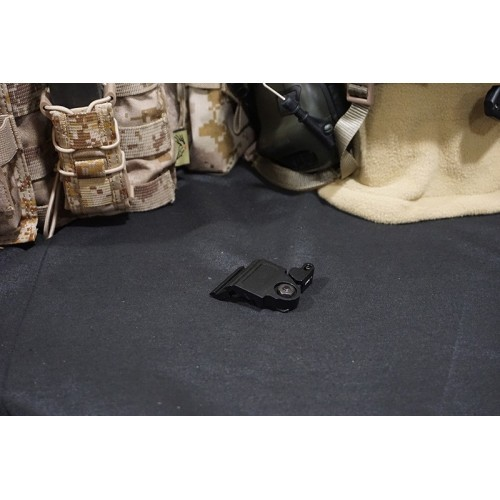 Element LT752 QD Tactical Offset Flashlight Mount