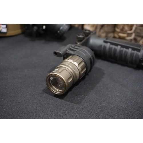 Night Evolution M900V Vertical Foregrip Weapon Light
