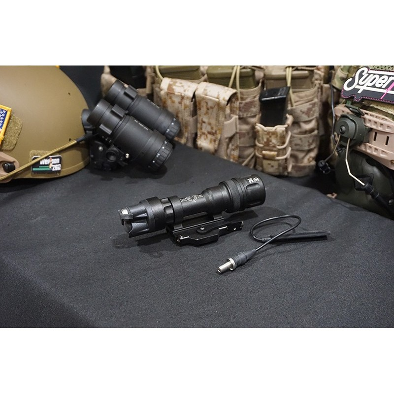 Night Evolution M952V QD Weapon Light